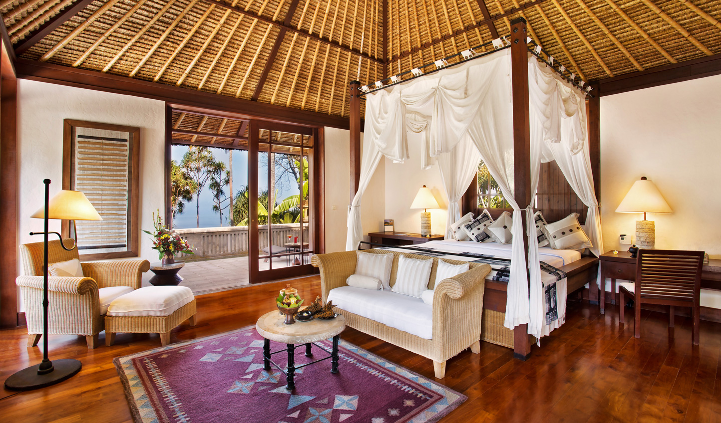 Traditional Indonesian architecture meets modern luxury at The Oberoi