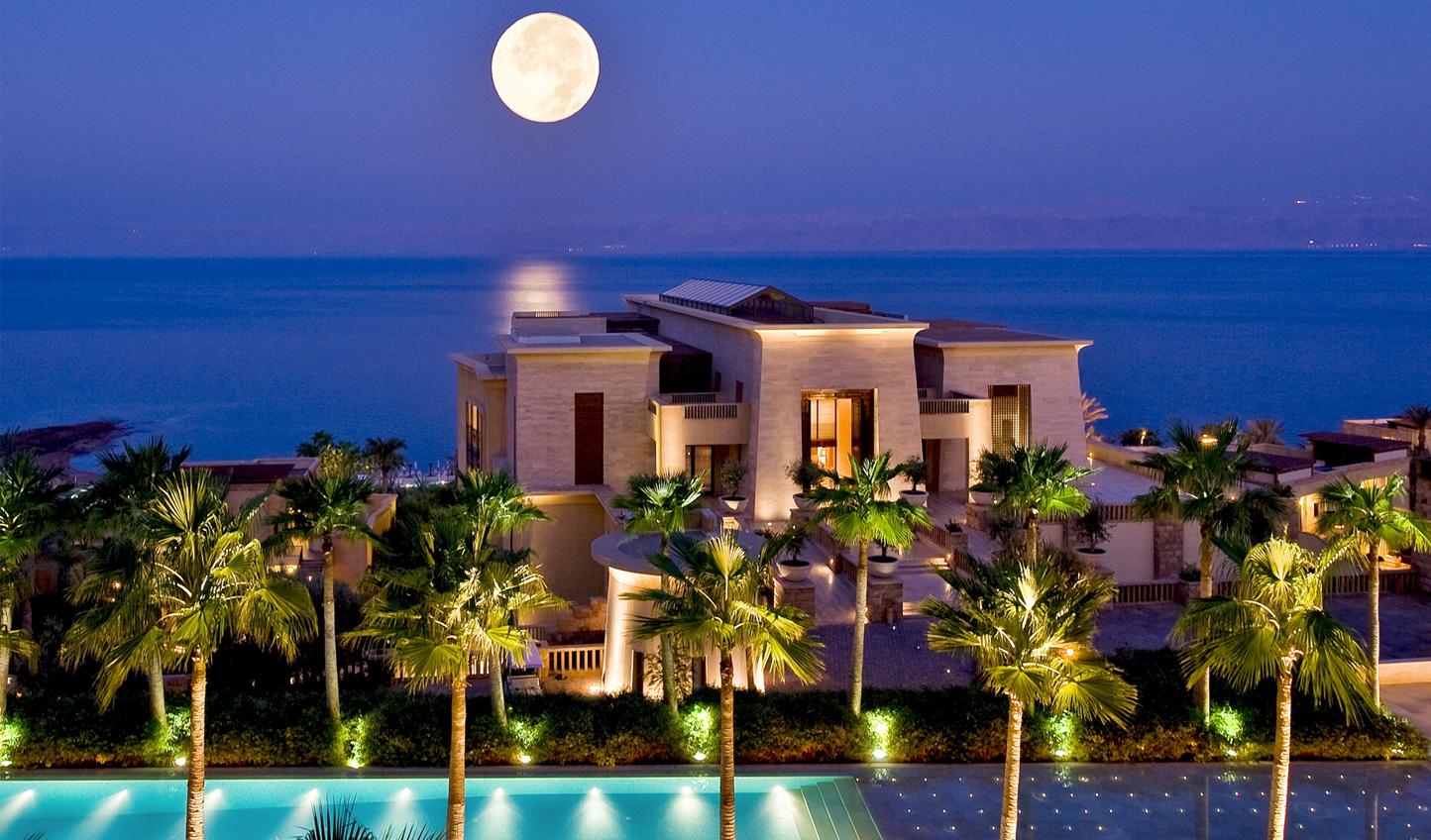 A beautiful setting on the Dead Sea