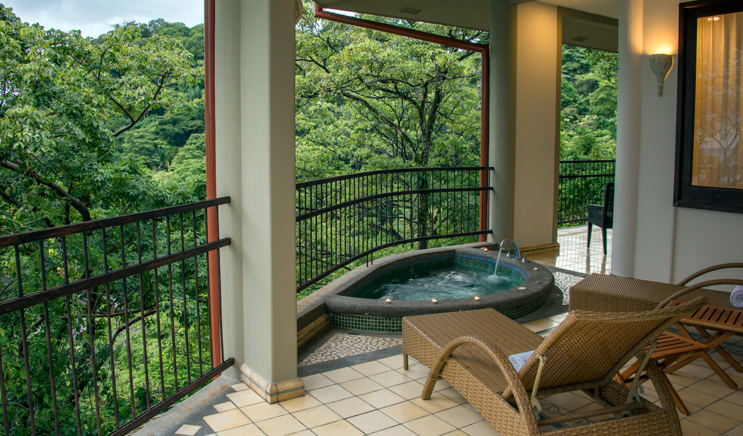 Jacuzzi in the jungle