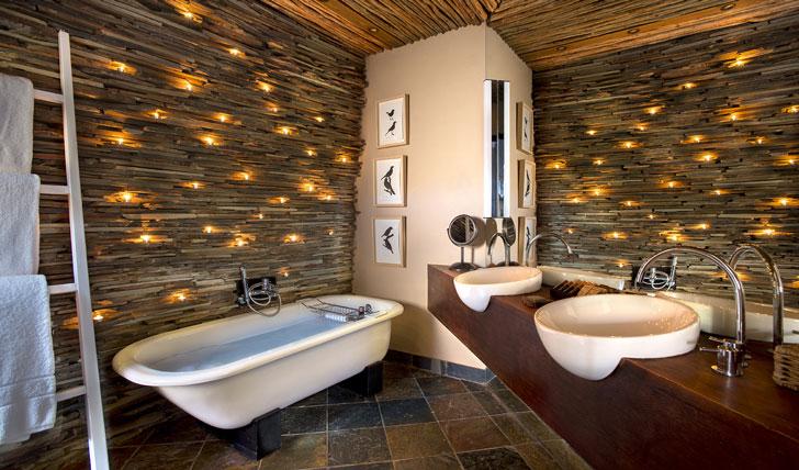 Luxury hotel bathroom Tarkuni in Tswalu, South Africa