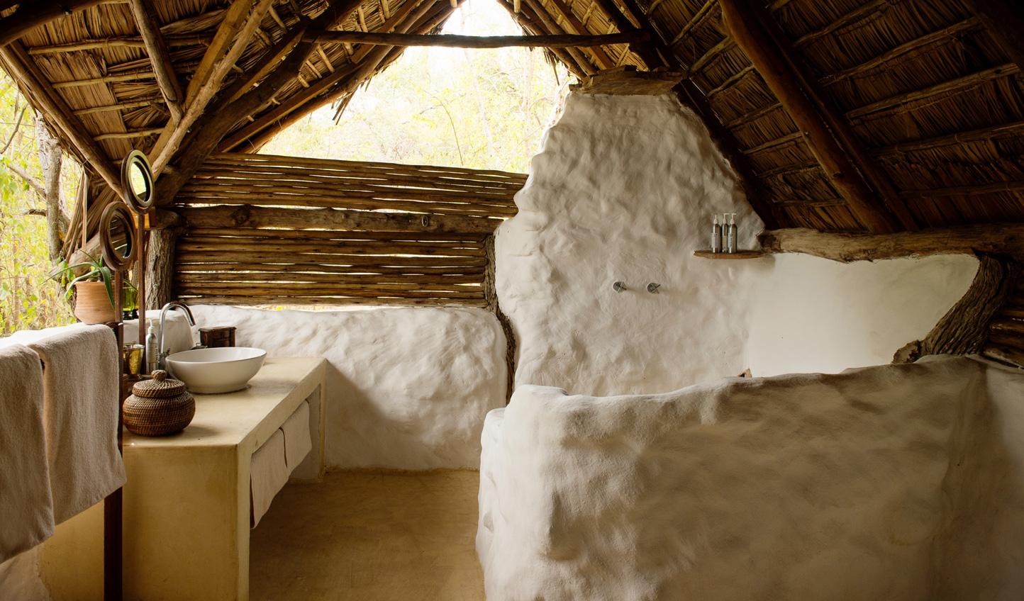 Unique open air bathroom design