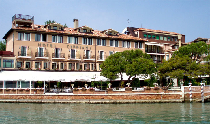 Your hotel for you kayak holiday to Venice