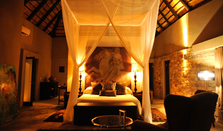 The luxurious bedroom at Chitwa House