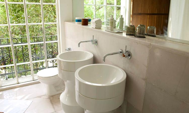 ultra modern bathrooms