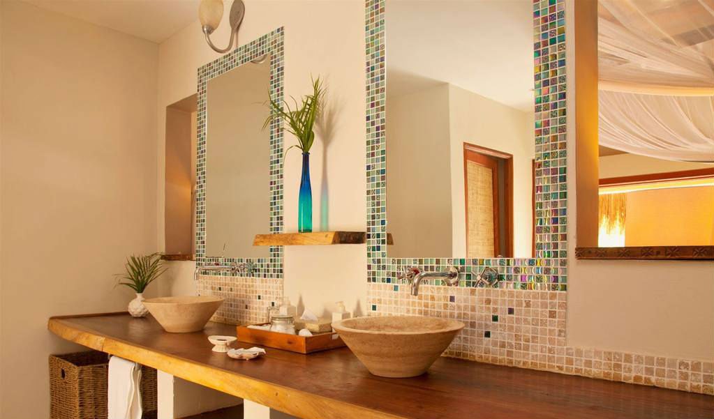 Your pretty beach villa bathroom