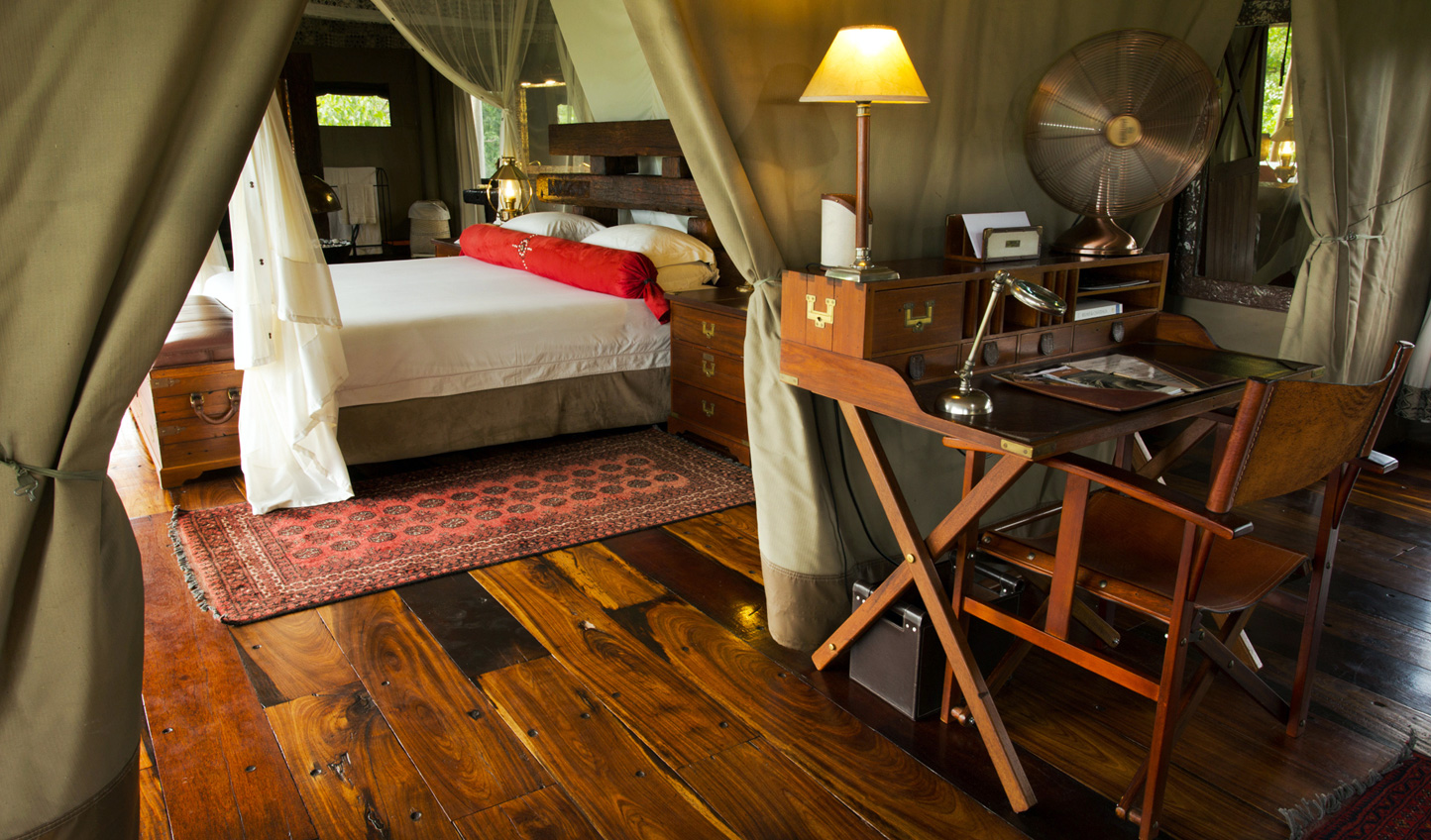 Cosy tented suites