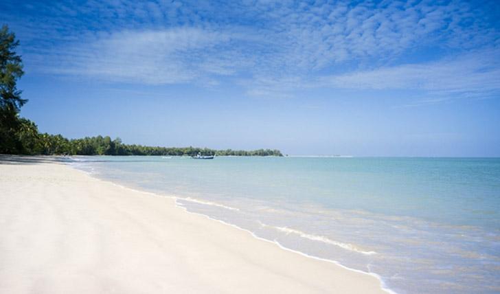 The beach at Sarojin