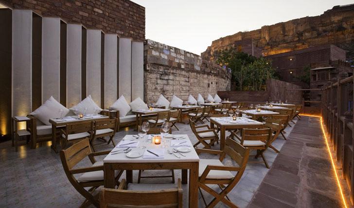 Raas Hotel Restaurant