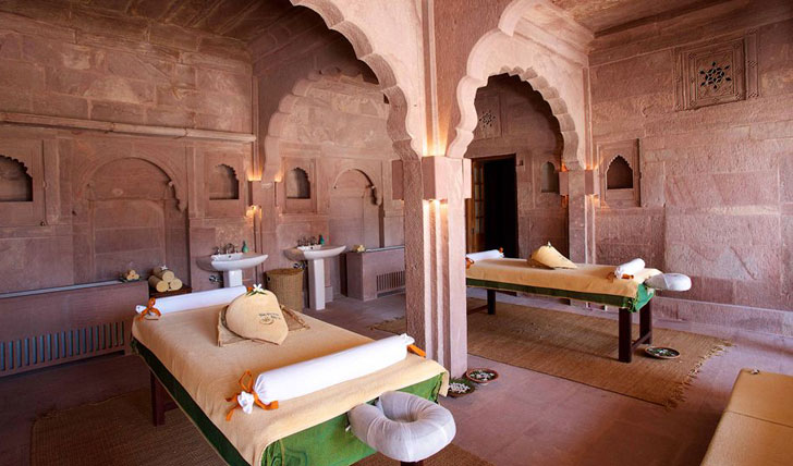 Luxury holiday at the Raas, India