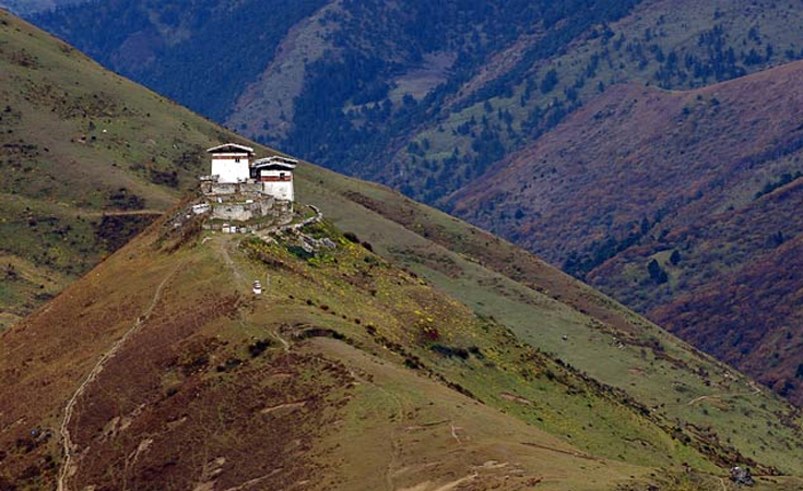 view over the mountains at lingshi dzong, bhutan
