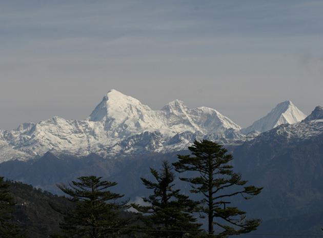 view over the mountaiins on a scenic trek to gasa