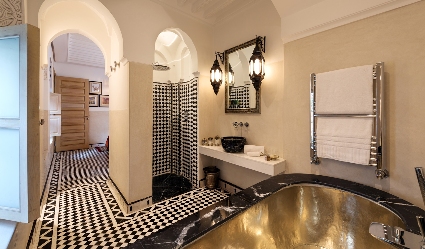 Intricate Moroccan decor gives added decadence