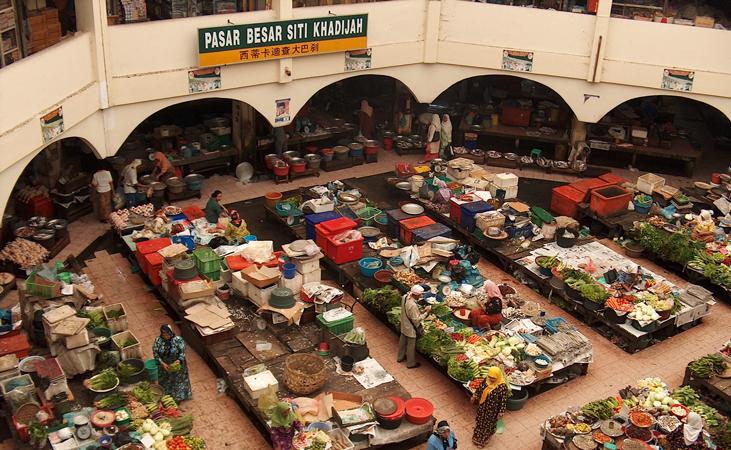pasar besar, a traditonal food market