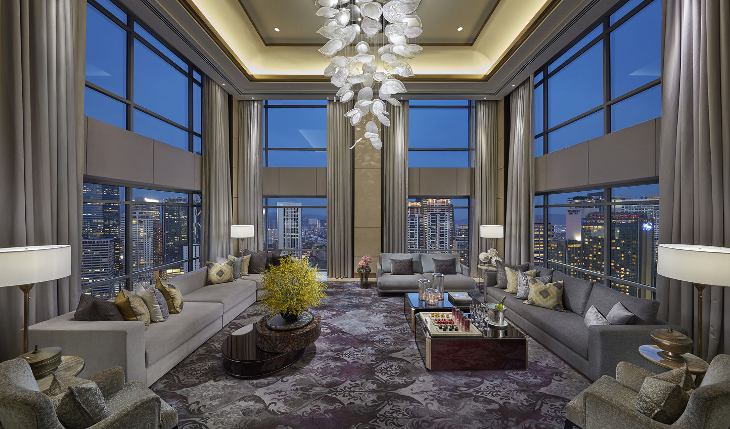 Luxury in the Presidential Suite