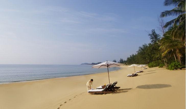 tanjong jara beach
