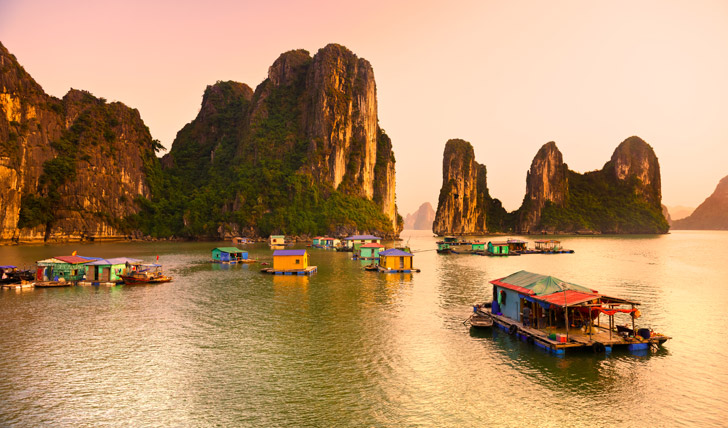 Stunning sunset in Halong Bay