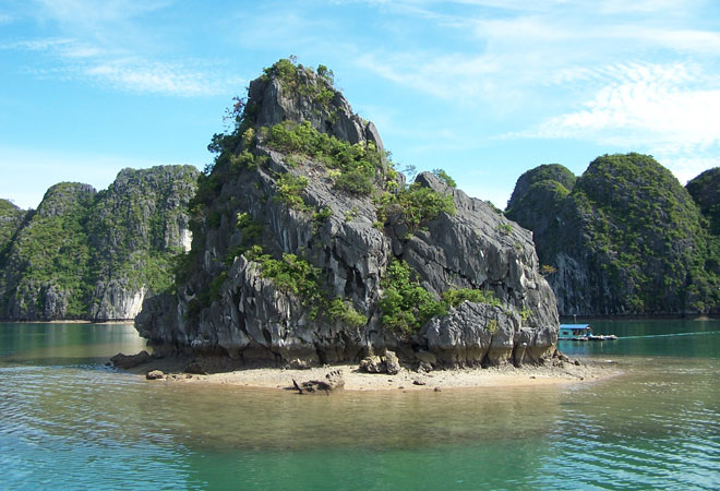 A luxury trip to Halong Bay with Black Tomato
