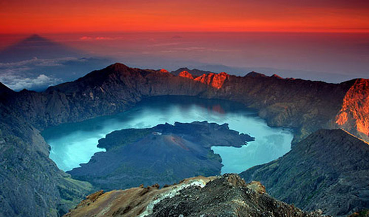 Mount Rinjani in the evening glow