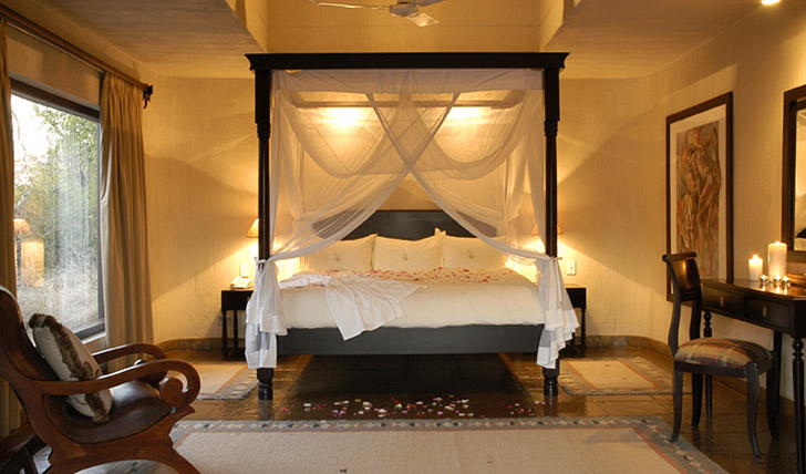 Settle down at Sabi Sabi's Bush Lodge