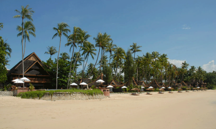 Unwind on the beaches of ngapali