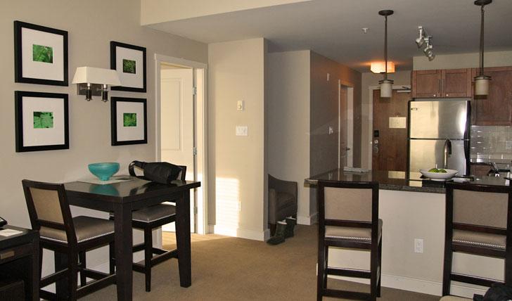 Oswego Hotel suite