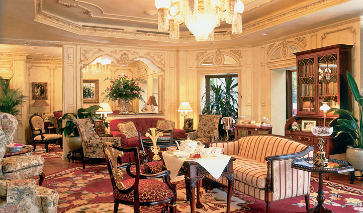 Take tea in the Drawing Room