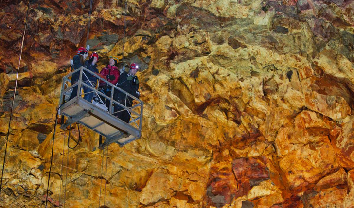 Descending to the floor of the magma chamber