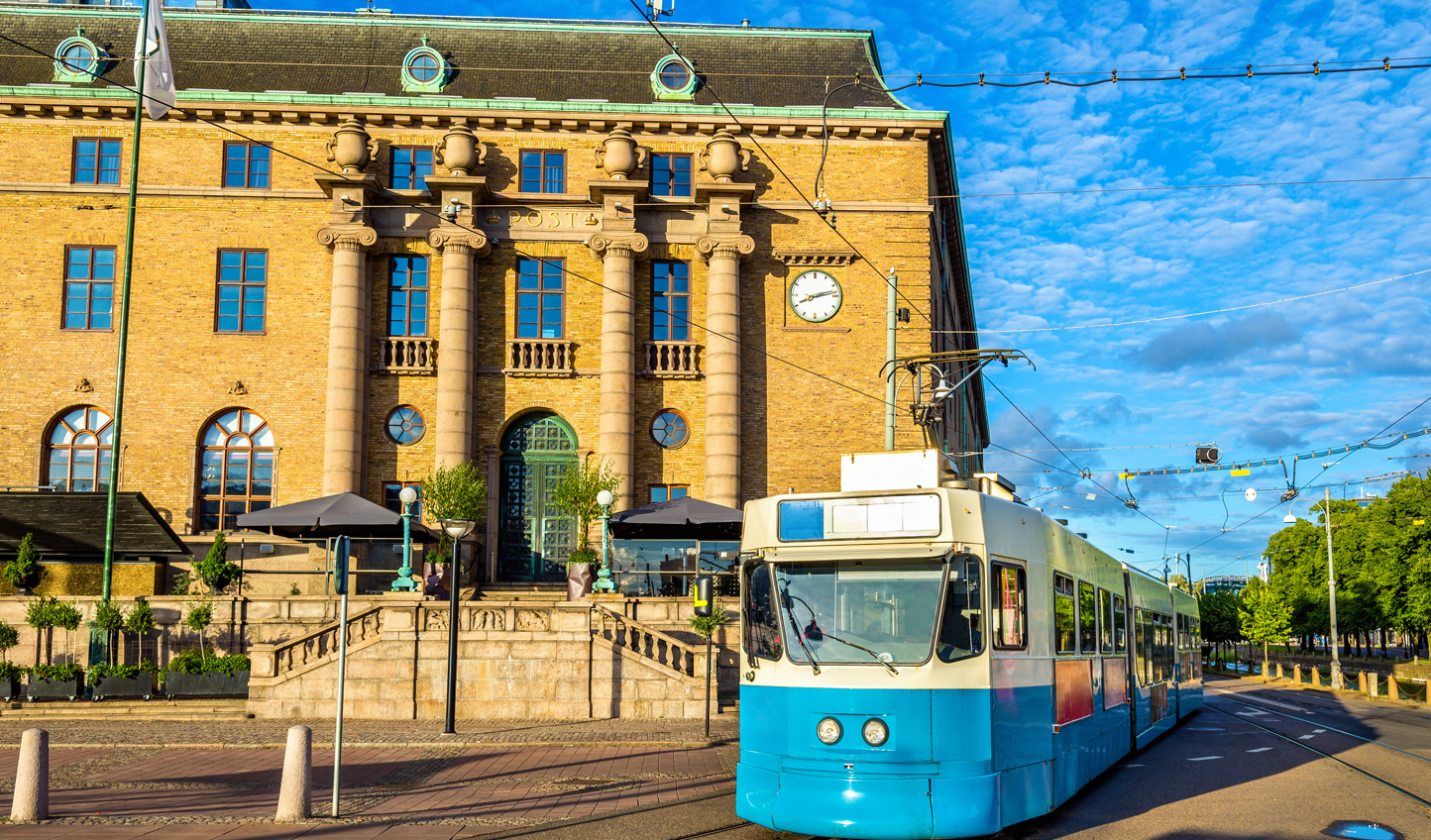 Trams through the city