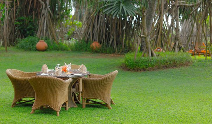 Dine in the gardens at Aditya, Sri Lanka
