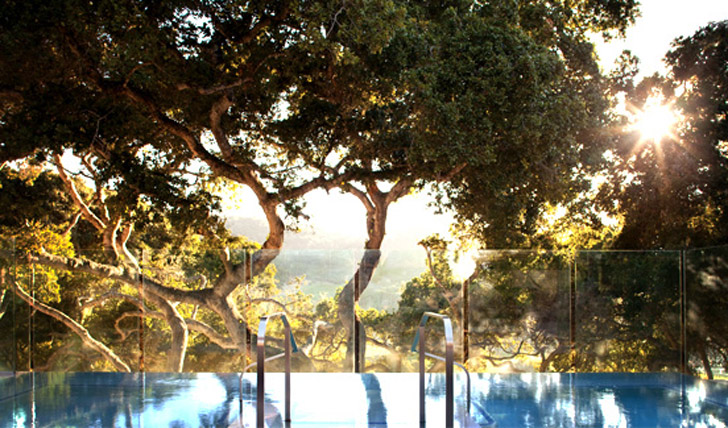 Beautiful views over the valley from the infinity hot tub at Carmel Valley Ranch, California, USA