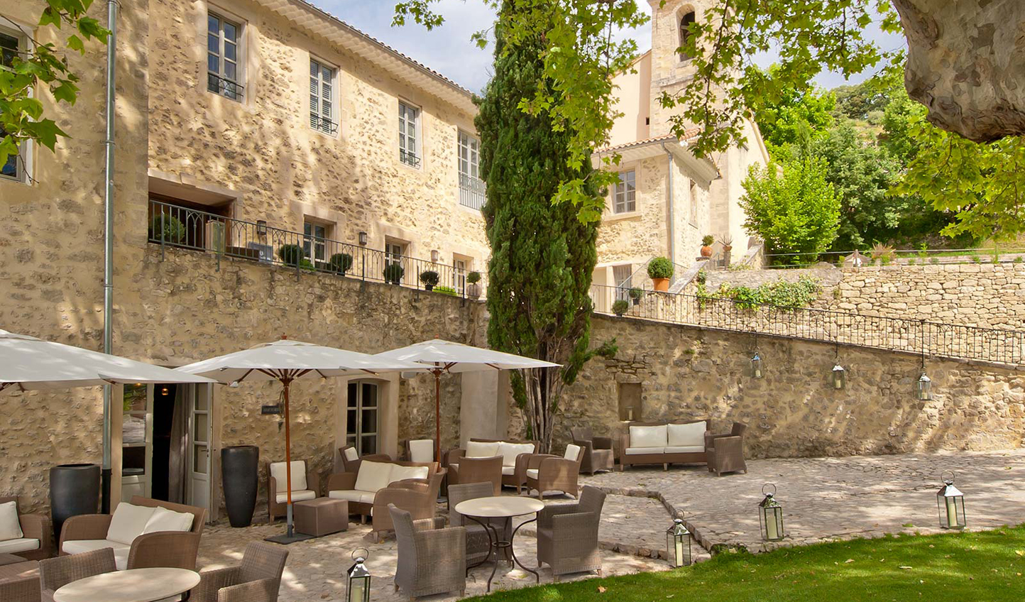 Relax in the tranquil gardens of Couvent des Minimes
