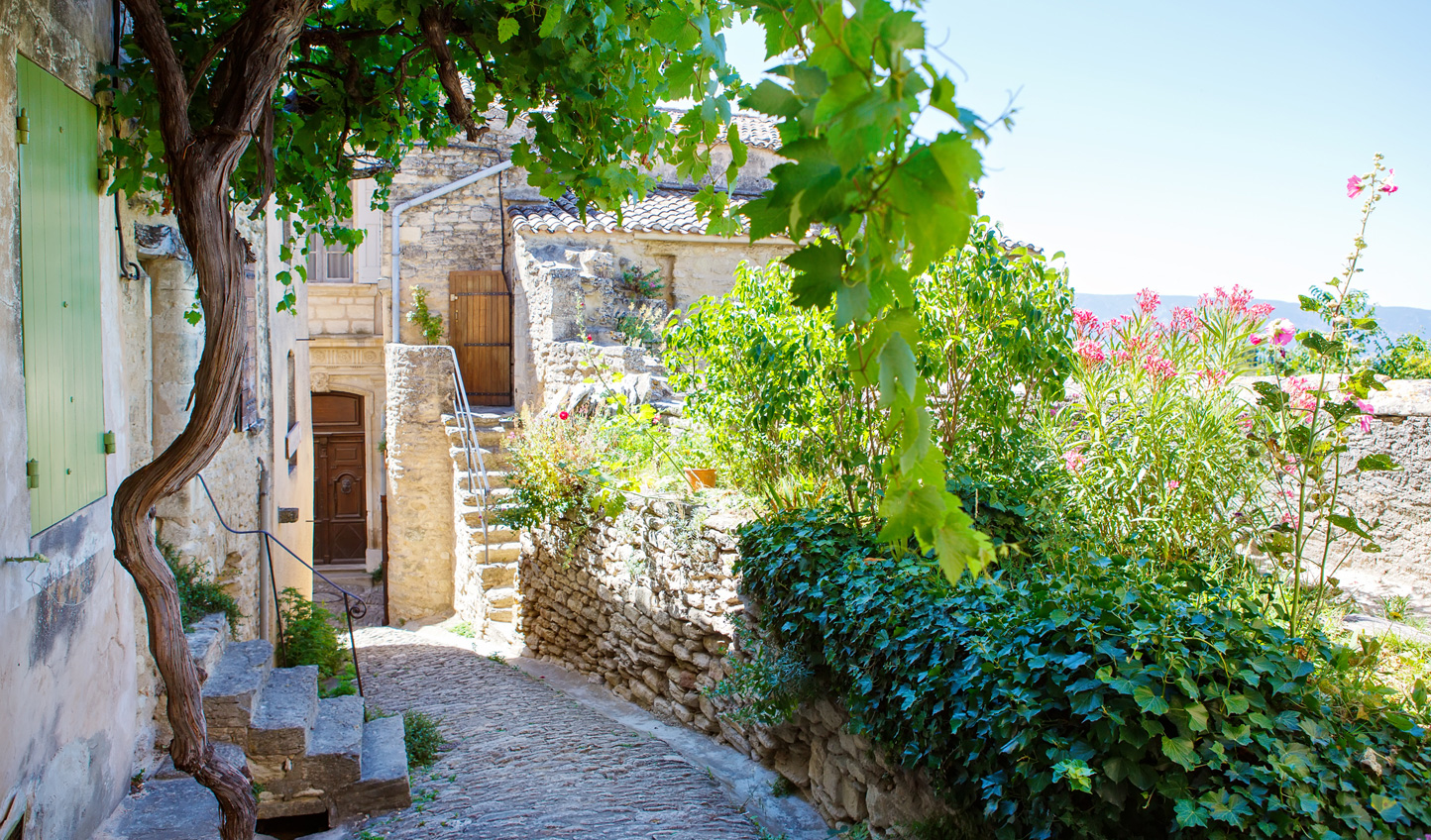 Wander the streets of Gordes