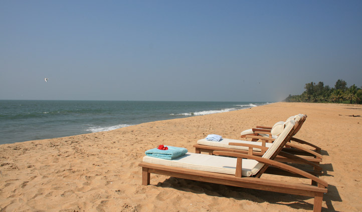 Relax by the beach at Neeleshwar