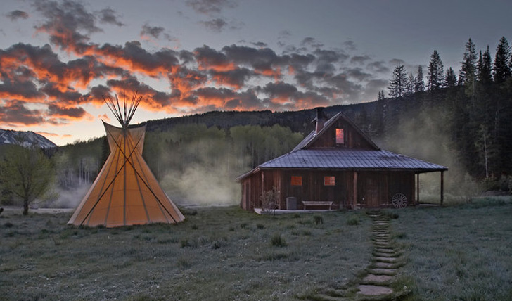 Teepee at the Dunton Hot Springs