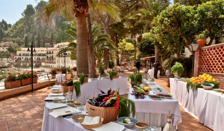 A private cooking class available by the sea at Villa Sant' Andrea