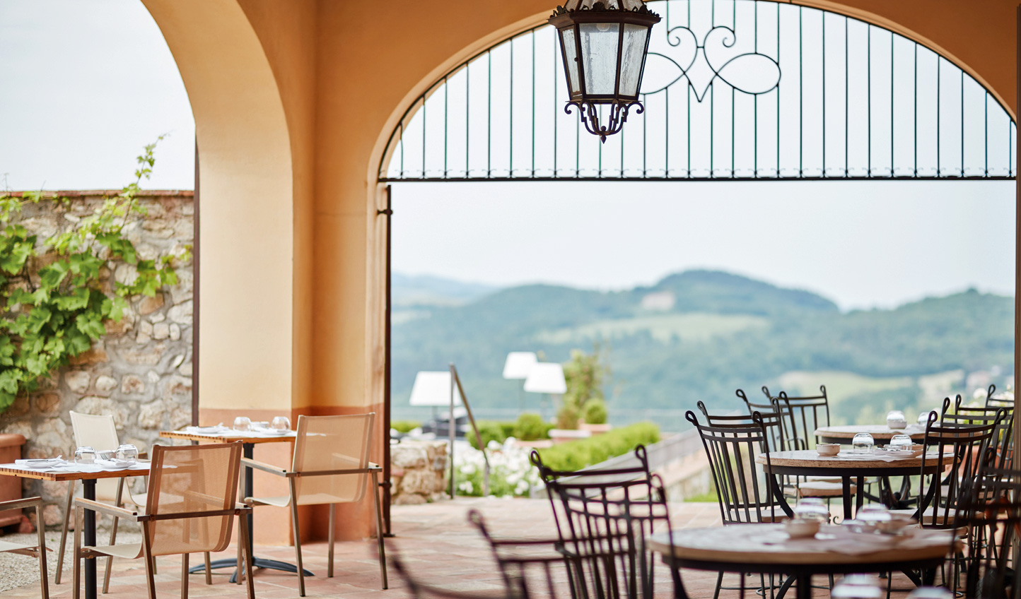 An aperitivo with a view at Bar Visconti