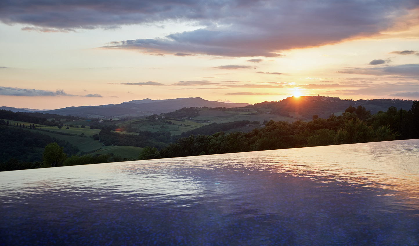 An infinity pools with seemingly endless views of the Tuscan countryside