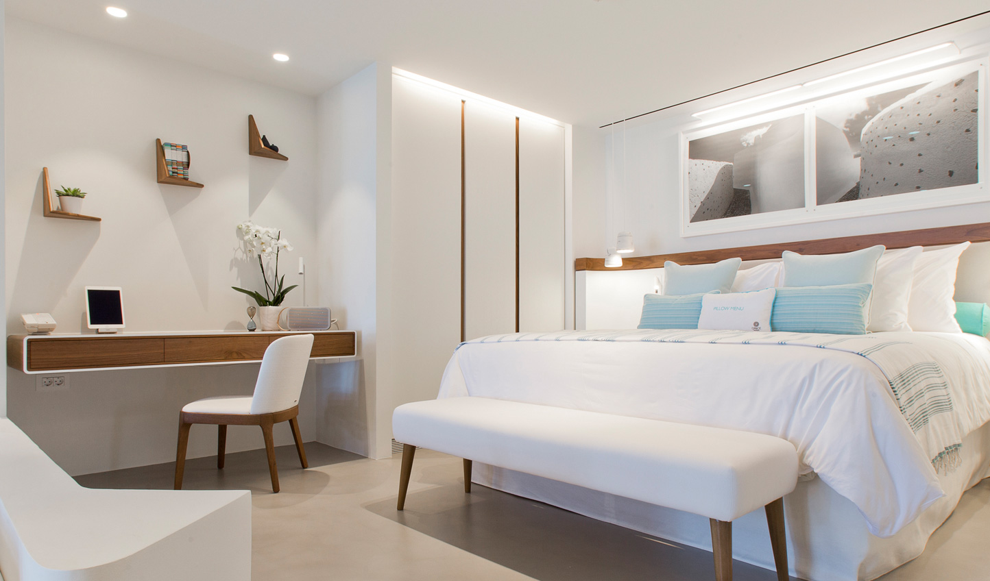 Clean lines and a white and blue colour scheme create a relaxed atmosphere
