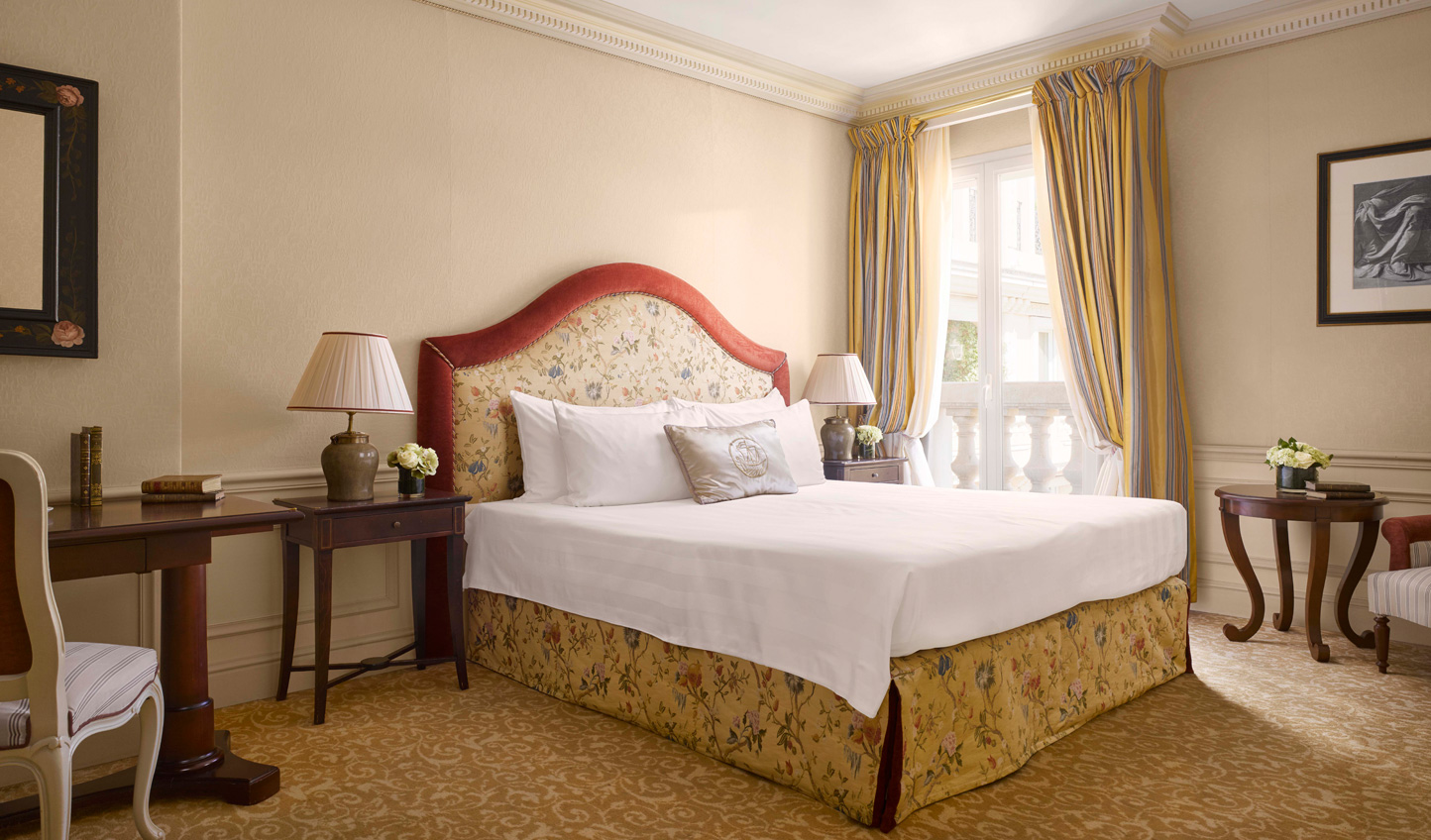 Traditional elegance in the guest rooms