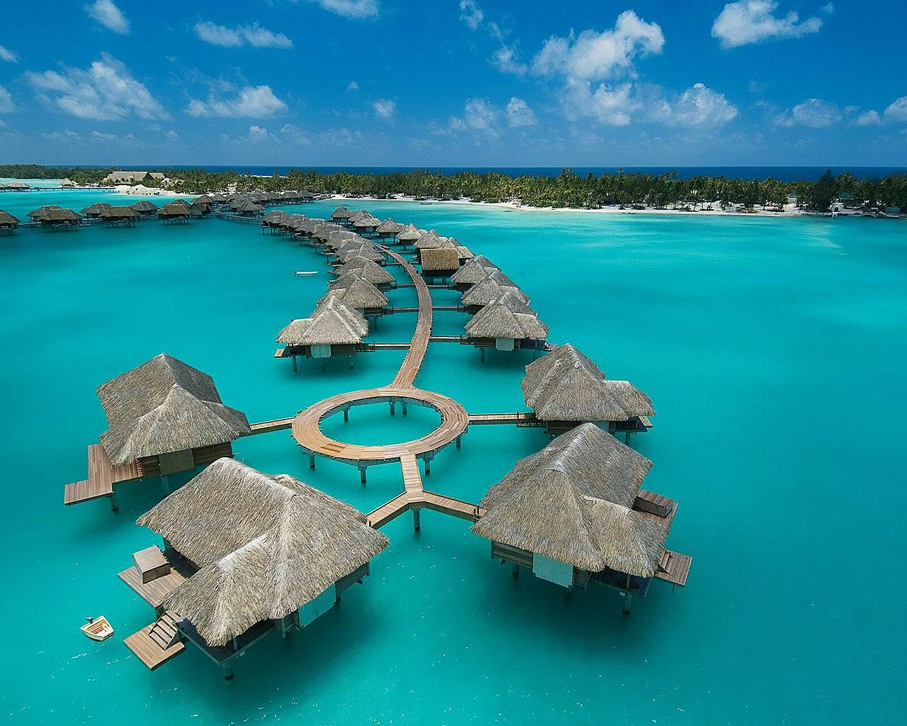 The holiday of a lifetime at the luxurious Four Seasons, French Polynesia