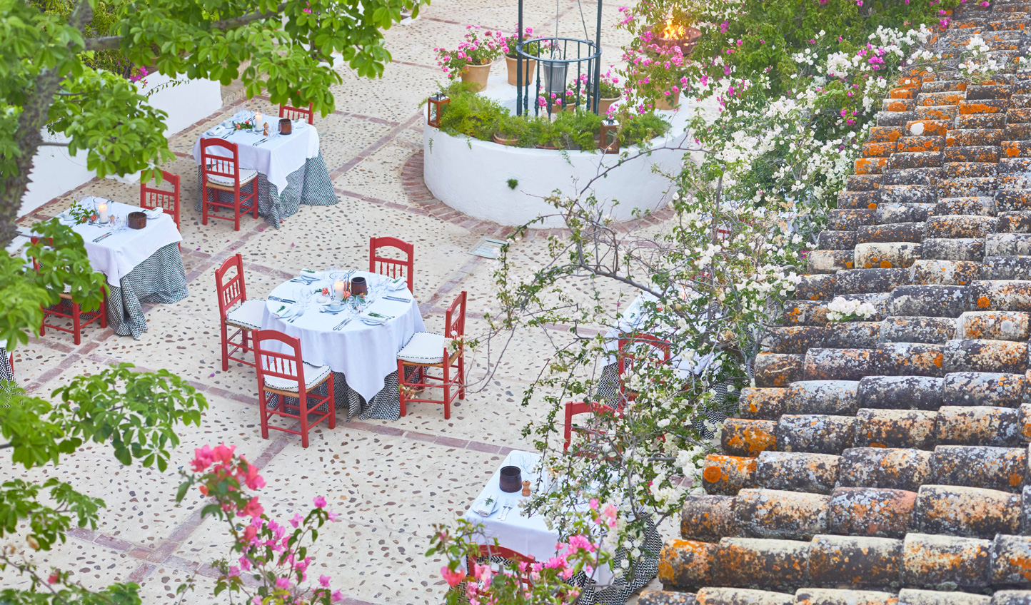 Dine out in the plaza and feel the summer breeze