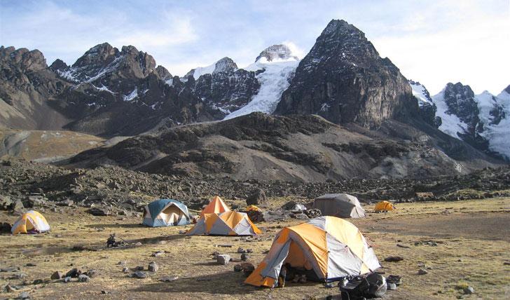 Camp underneath Condoriri