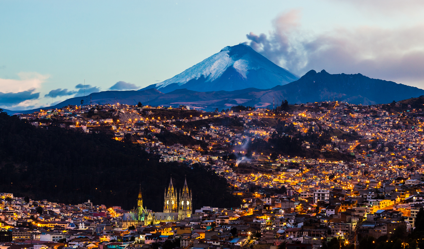 Nightfall-in-Quito