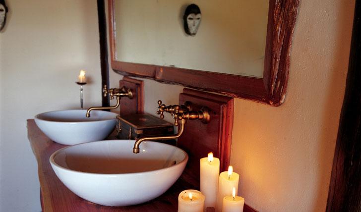 Saruni Mara Lodge bathroom