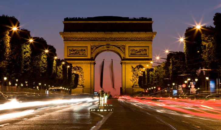 Arc du Triomphe | Paris to Reunion | Black Tomato