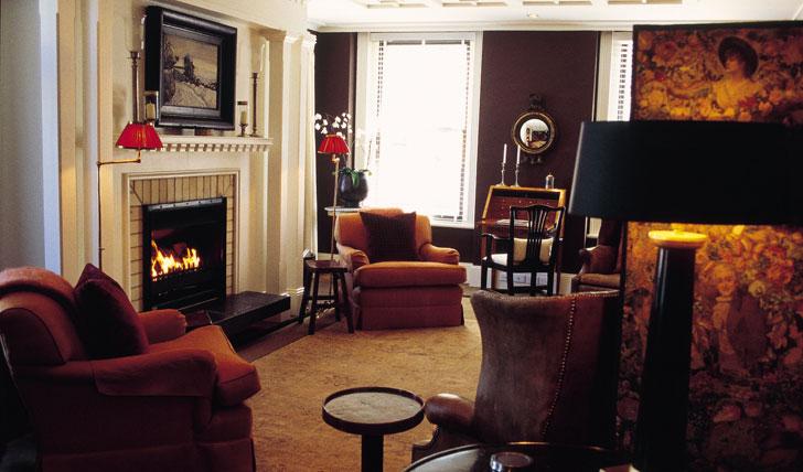 Lounge at Eichardt's Hotel