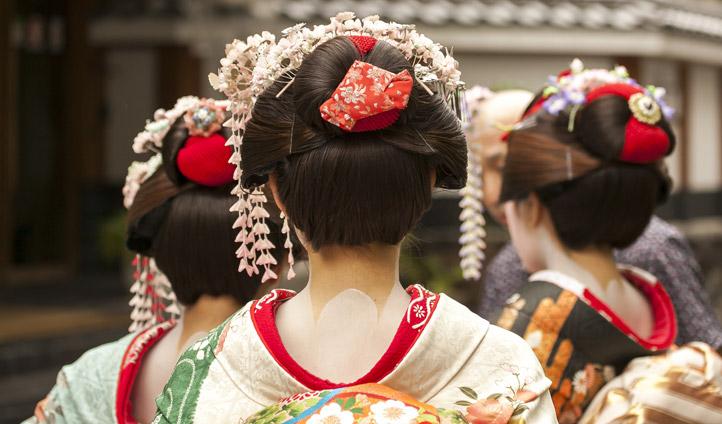 Catch an exclusive Geisha performance