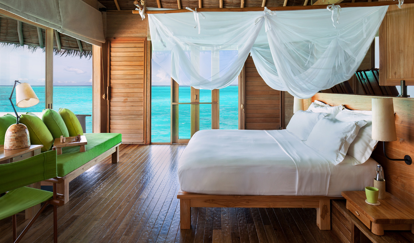 Wake up to azure waters in every direction
