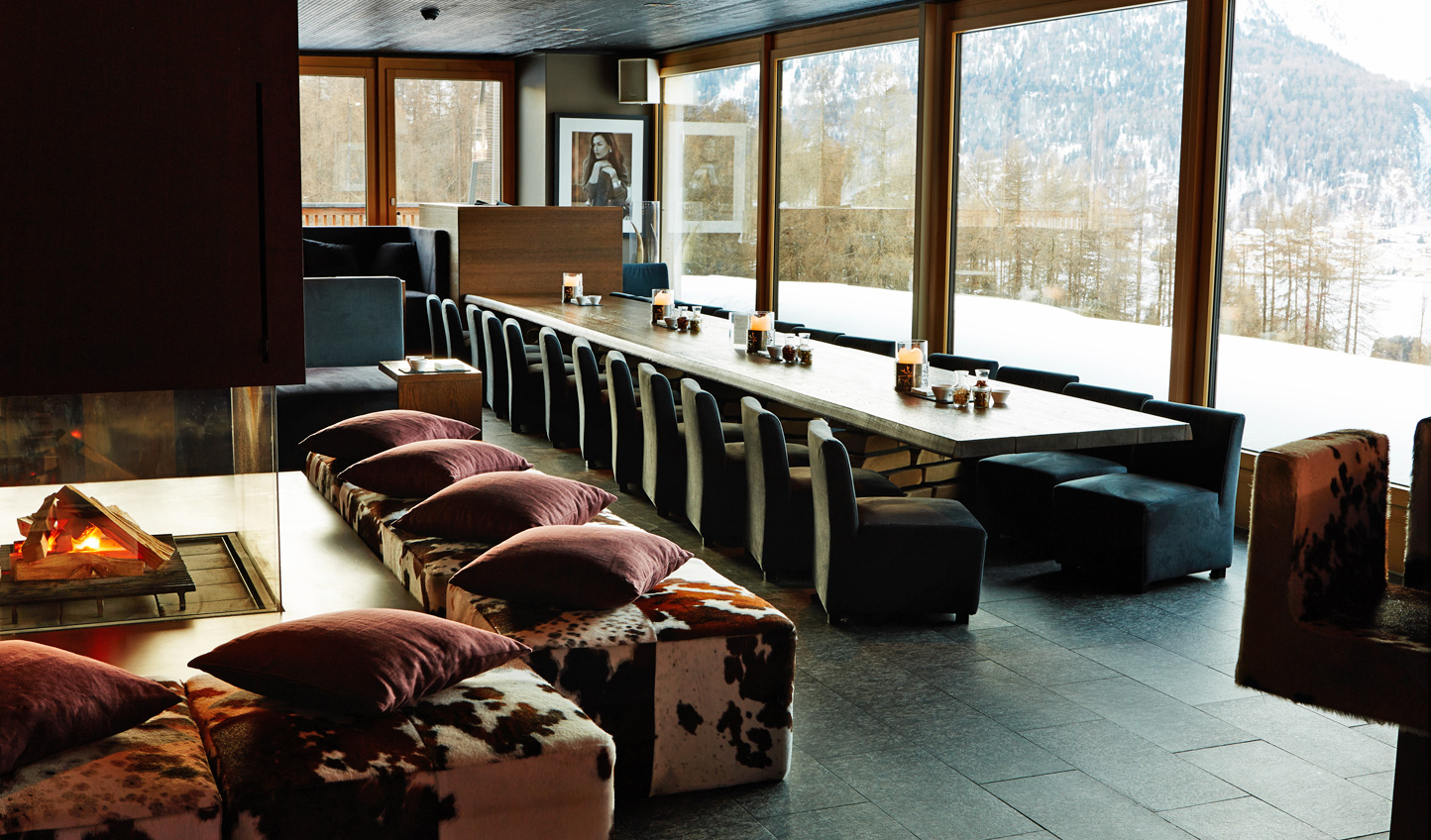 Head to the Star Bar for a stylish take on apres ski