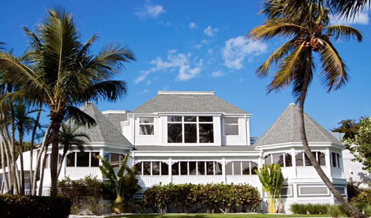 A classic Floridian beach bolthole
